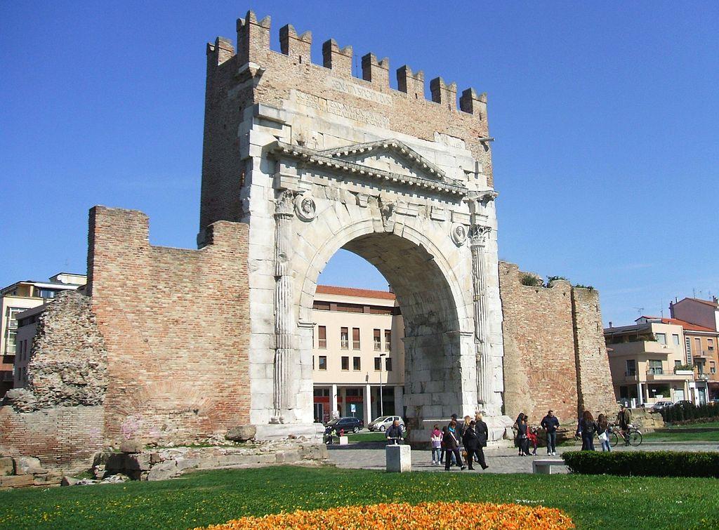 Cosa vedere a Rimini: l'arco d'Augusto