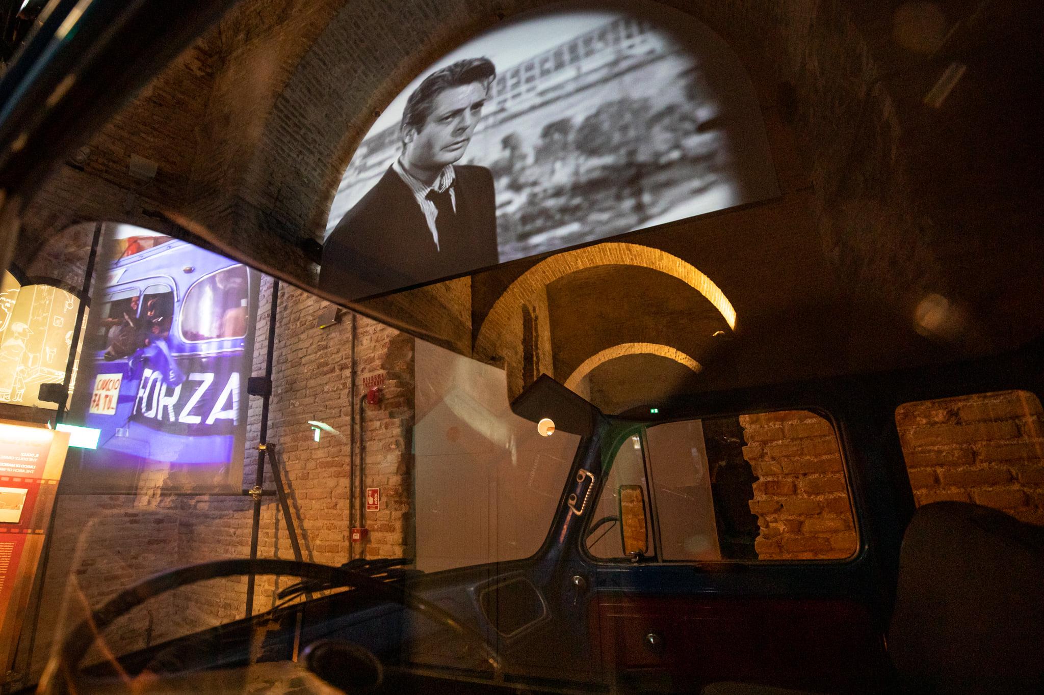 Rimini, il museo Fellini e il vino Almanini FF100